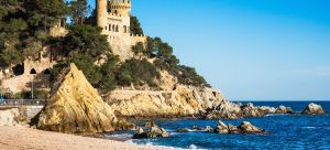 landscape-of-lloret-de-mar-castle-and-its-beach-in-a-sunny-afternoon-1441014578-Nmsh